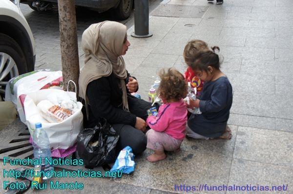 Beirute é uma cidade asseada: ruas impecáveis que começam a ser manchadas pela chegada de refugiados sírios reduzidos à pobreza