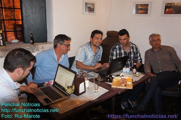 Gil Canha (à direita) culpabiliza Vítor Freitas e Paulo Cafôfo da vitória do PSD e derrota da Mudança.