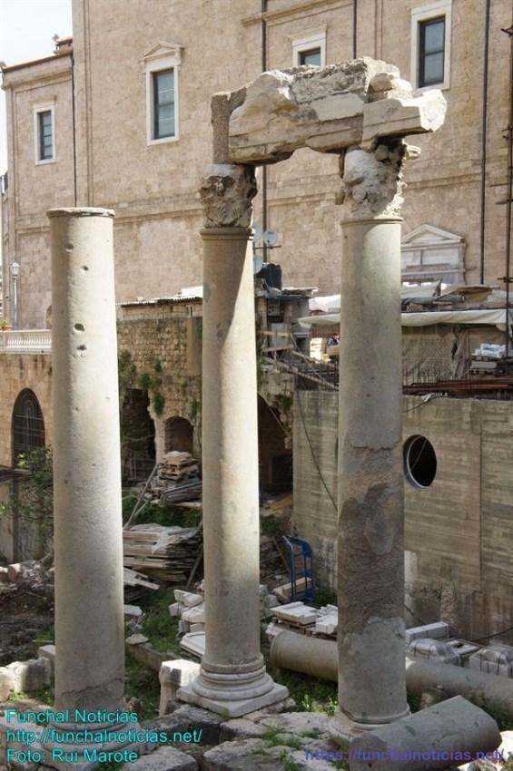 Quatro colunas romanas, importante descoberta arqueológica