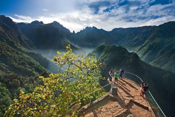 Miradouro dos Balcões - Ribeiro Frio  (Foto retirada da página de Facebook  de  Turismo da Madeira)