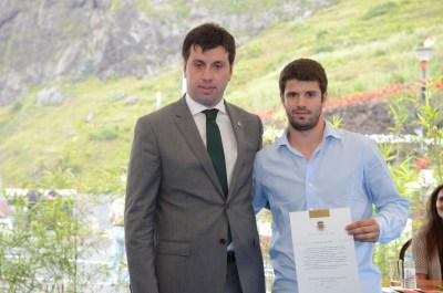 O atleta Álvaro Noite, campeão nacional de Florete Absoluto, foi agraciado pela autarquia. (Foto Canhas)