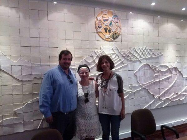 Com a artista plástica Luz Henriques e o presidente da Associação de Paralisia Cerebral