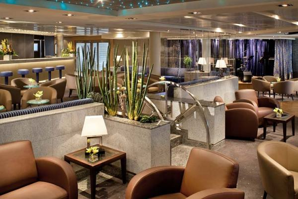Seabourn-cruises-TheClub-OSQ_022111