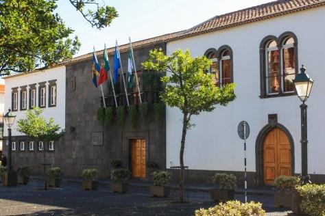 camara-municipal-santa-cruz-madeira-helloguide