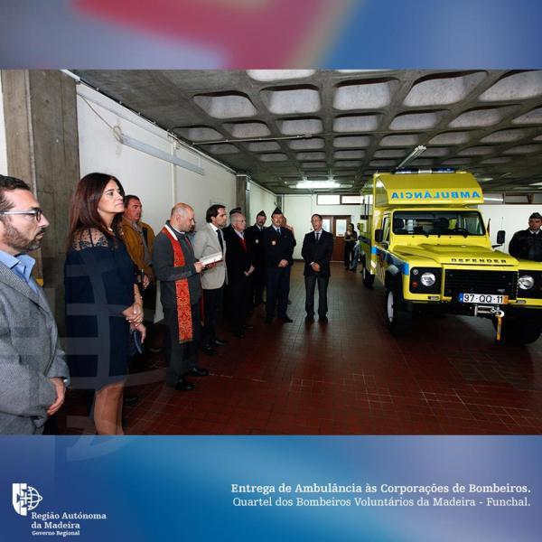 Ambulância Bombeiros 1madeira.gov