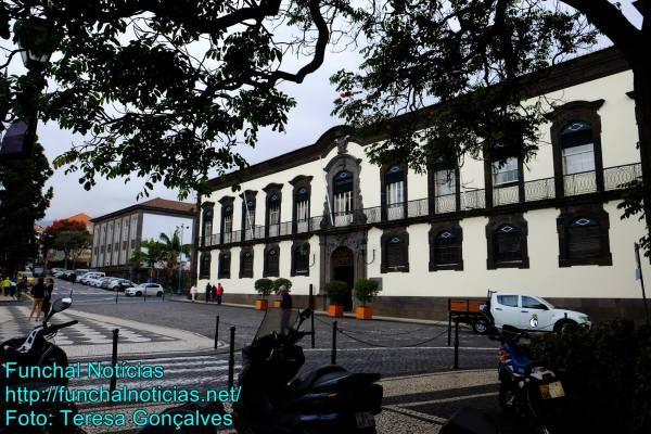 Funchal câmara autarquia largo colégio município