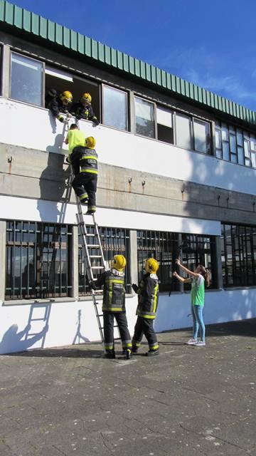 escola gonçalves zarco simulacro bombeiros
