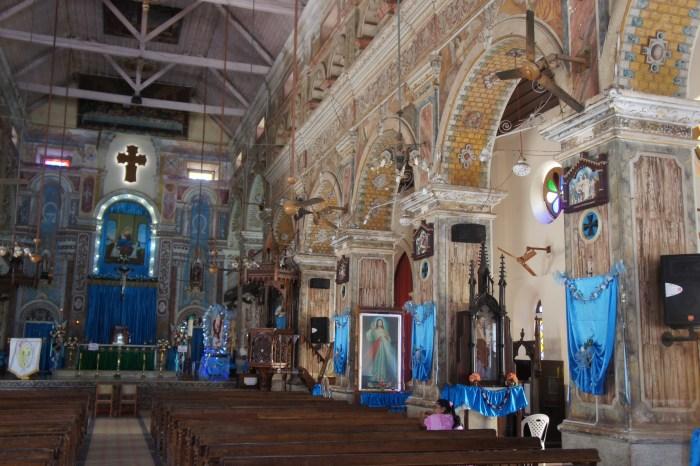 Interior da basílica fundada no séc. XIX