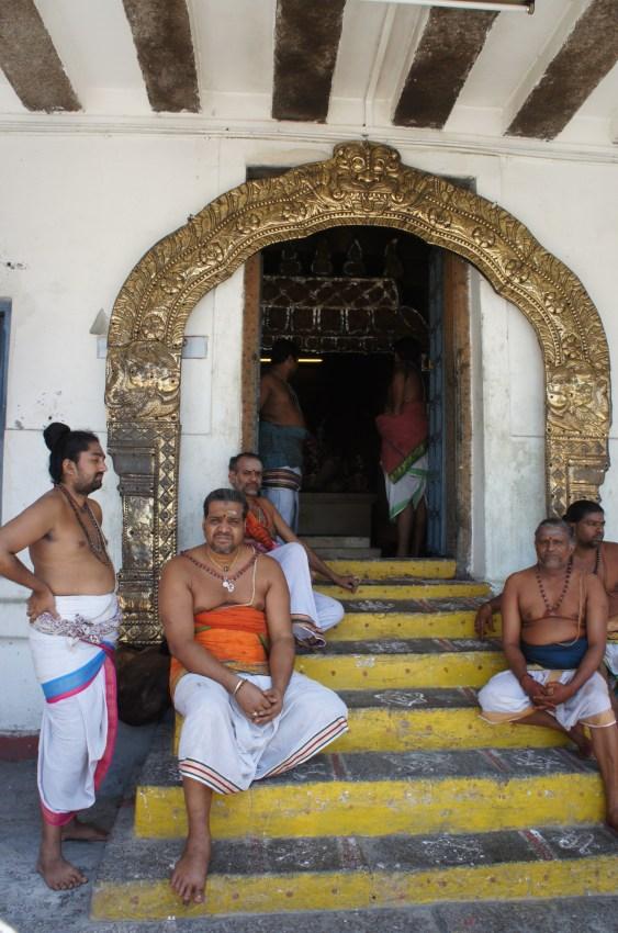 Um dos templos dentro da gorupa