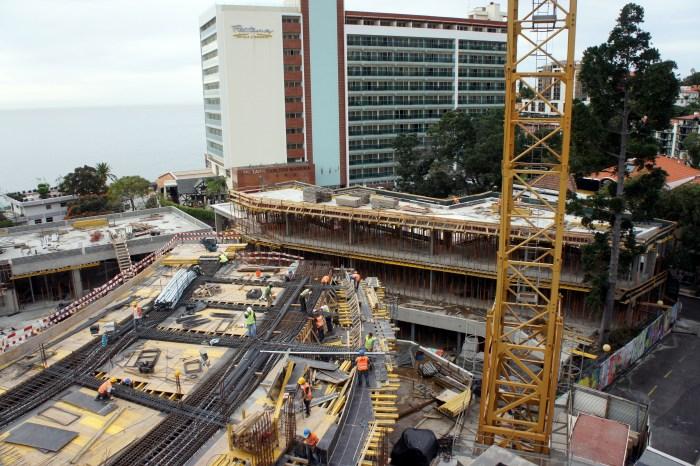 Nível do embasamento - Construção da última laje do lado poente. (Foto Rui Marote)