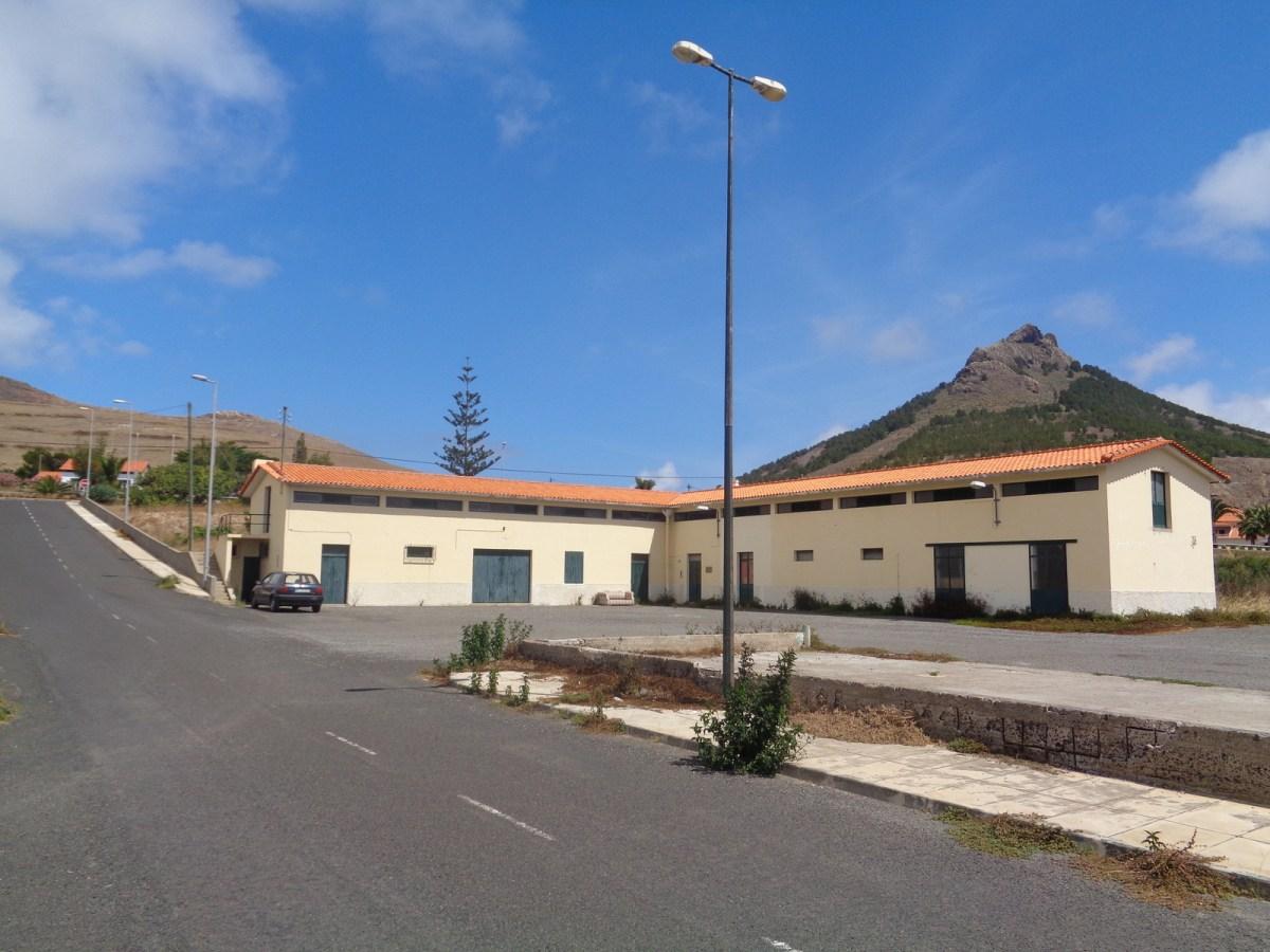 Região vende amanhã 7 prédios entre eles o antigo matadouro do Porto Santo