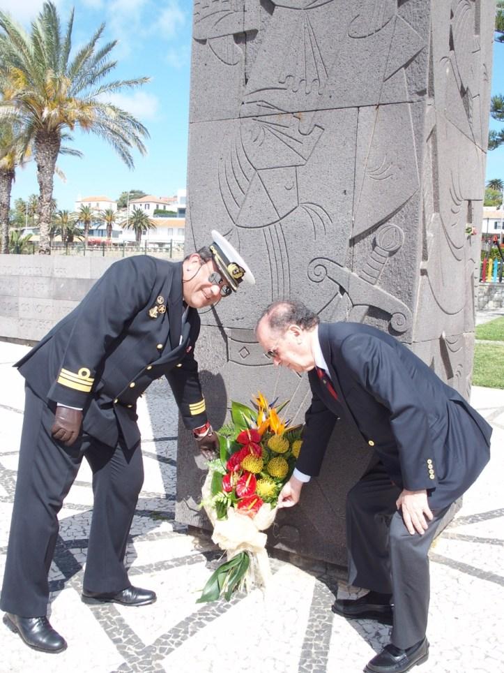 Sagres comandante do navio com Ireneu Barreto