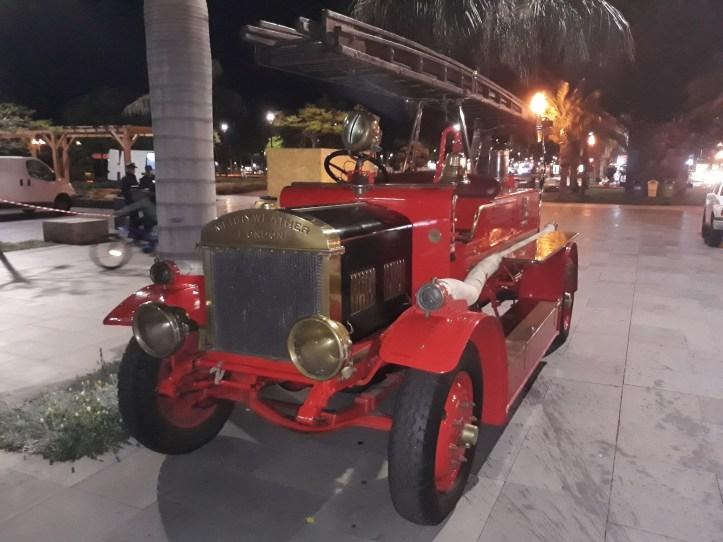 Classic car B