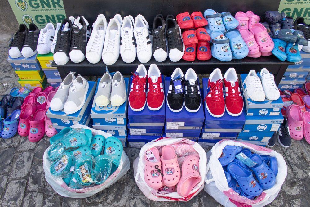 GNR apreendeu calçado contrafeito no Funchal