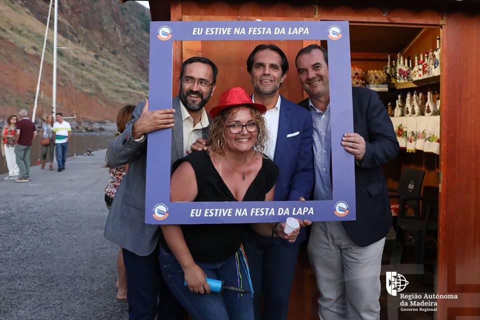 Miguel Albuquerque bem recebido na Festa da Lapa