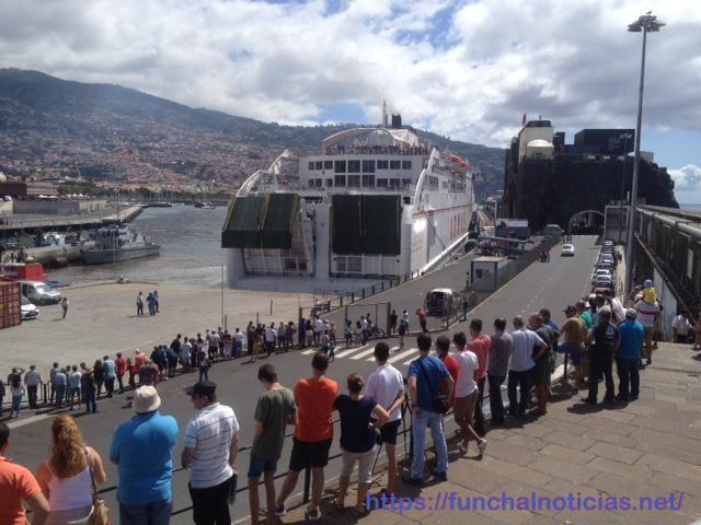 """Governo Regional reivindica junto da República o """"ferry"""" todo o ano para o porto de Lisboa e recusa """"afirmações falsas"""" do JPP"""