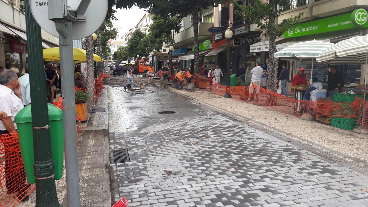 Segunda fase da Rua Dr. Fernão Ornelas avança em janeiro, trabalhos da primeira fase quase concluídos e reabertura é segunda-feira