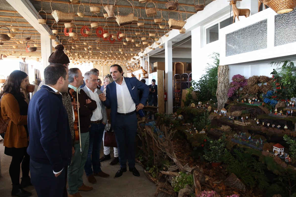 """Camacha com """"novo"""" Café Relógio, Largo da Achada remodelado, percurso de carros de bois e Museu das Levadas"""