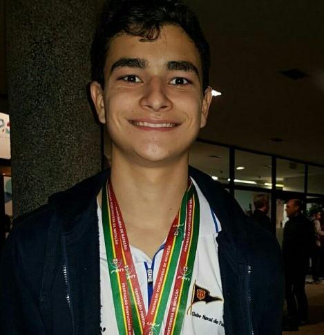 A primeira internacionalização do nadador madeirense Tomás Silva