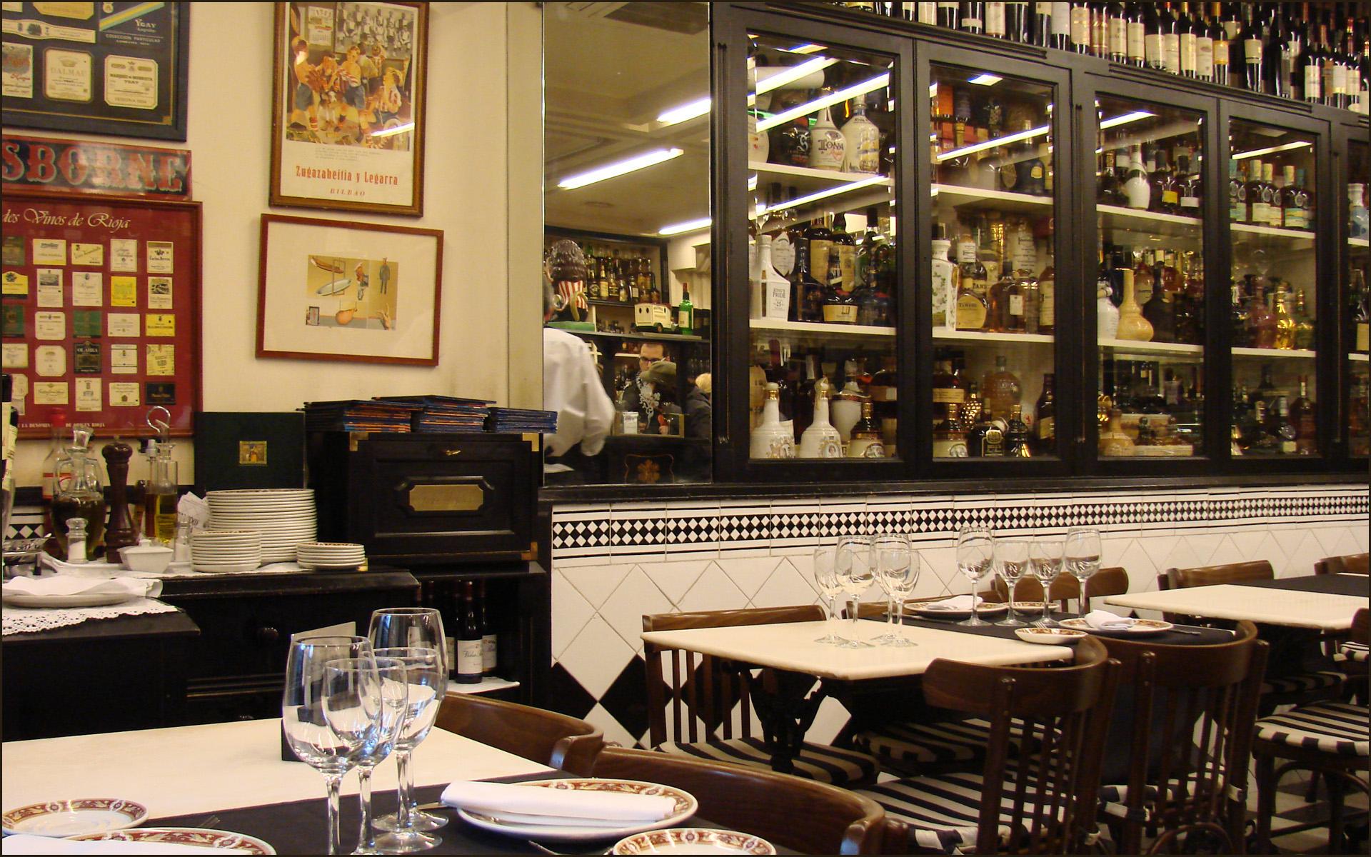 Bloques en Autocad para mobiliario de restaurante