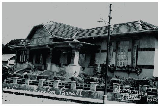 Escola Estadual Brasil – patrimônio histórico de Varginha/MG desde 2000. Construção: 1933.