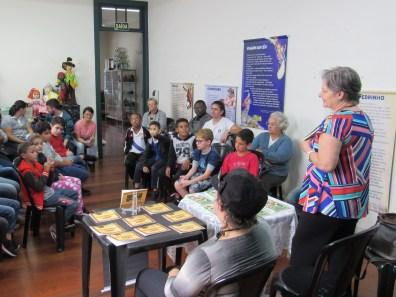 Contação de histórias para alunos da Oásis (foto Ana Luiza Romanielo 09-04-2019) (4)