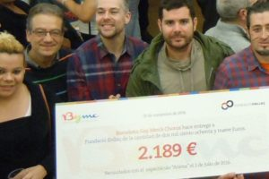 Donativo de Barcelona Gay Men's Choir a la Fundació