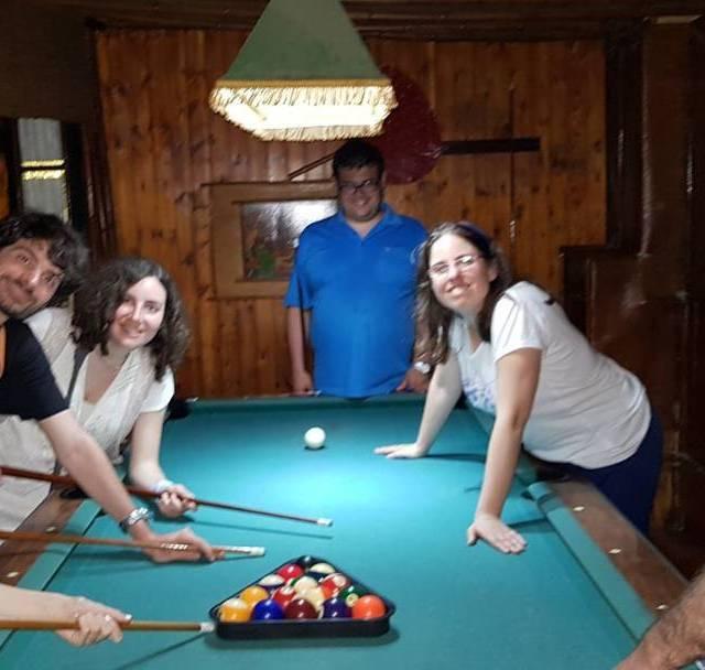Nit jove casalFriends nitjove partideta billar autisme