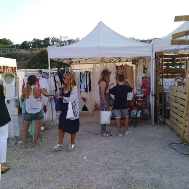Paradeta de Botiga Friends al Sitges Market! Us hi esperem!!hellip