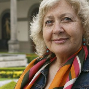 <b>2010</b> <br>  Mónica González: periodismo de valentía