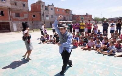 Con teatro y fútbol, llevan Shakespeare a las villas – Nota Diario Perfil