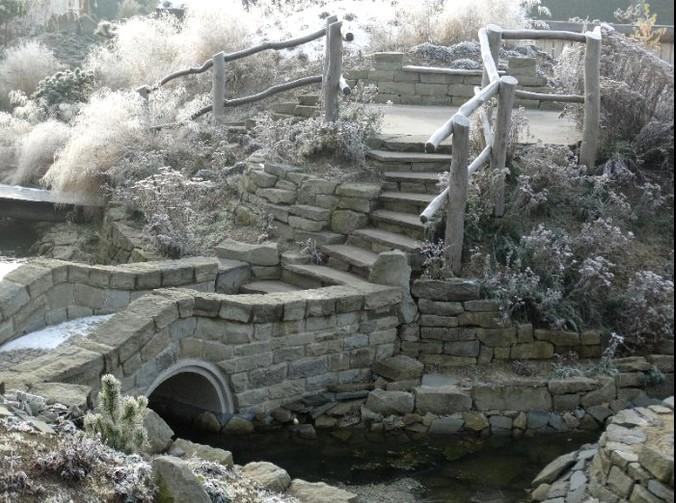 ogrody kapias - pomosty zimą