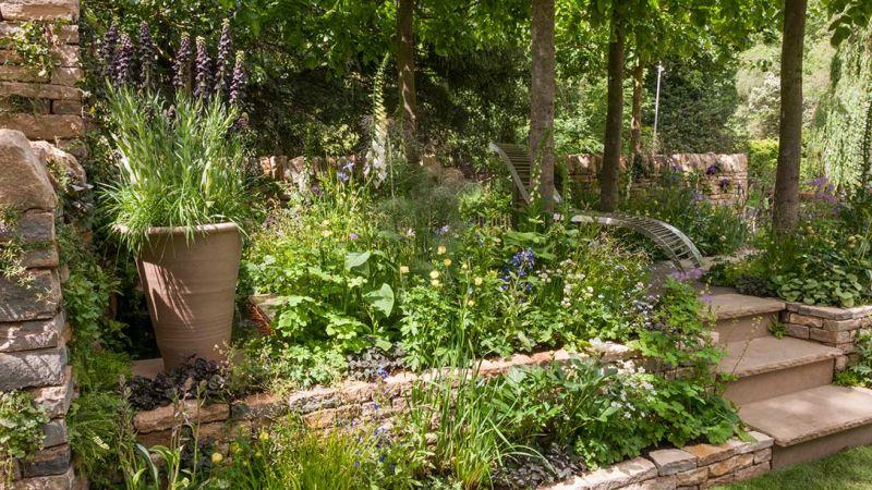 ogród tarasowy widok z boku - ogrody londyn chelsea 2017