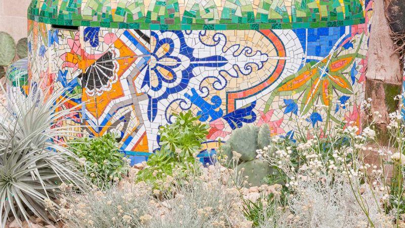 fragment mozaiki ogrodowej - meksykańskie wzory - ogrody londyn chelsea 2017