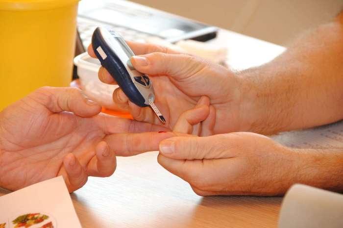 Cukrzyca typu 1 atakuje podstępnie i pojawia się znienacka – poznaj objawy i nie ignoruj ich