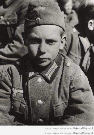 13-letni-jeniec-wojenny-niemcy-1945