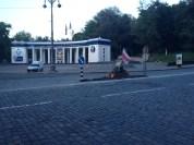 Po barykadach na Hruszewskiego została białoruska flaga