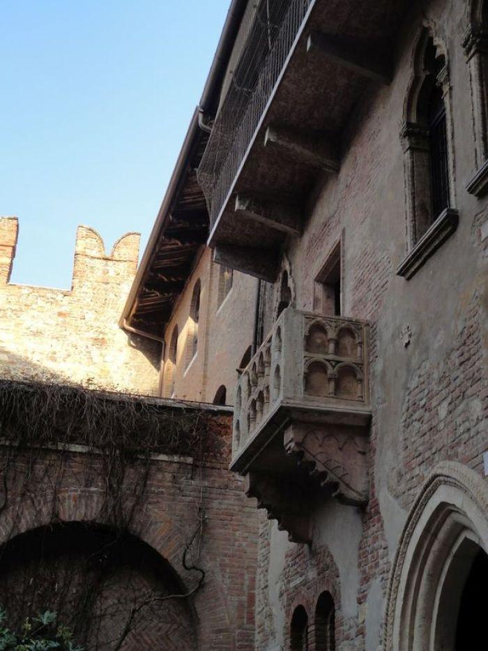 Juliet's balcony. Casa di Giulietta, Verona, Italy