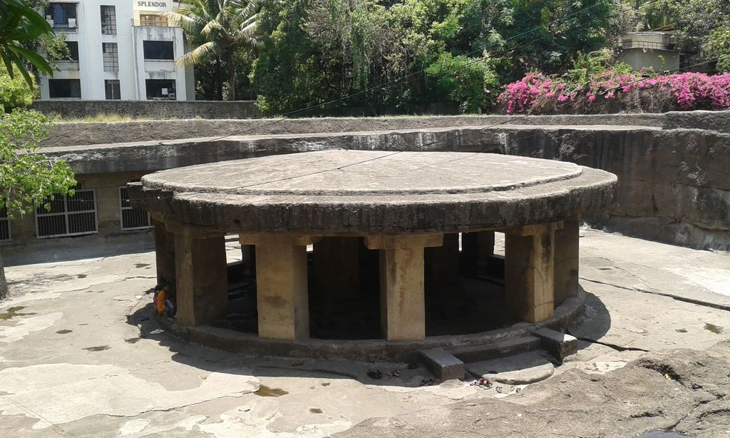 [Pune, India] Pataleshwar Temple: A Tranquil Oasis in a Bustling Neighborhood