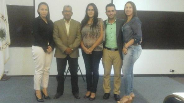 Directivos y miembros de FUNDETROP y SOECI junto a Ricardo García del Jardín Botánico Nacional.