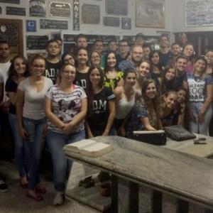 Em atividade extraclasse, alunos de Administração visitam empresa de fundição