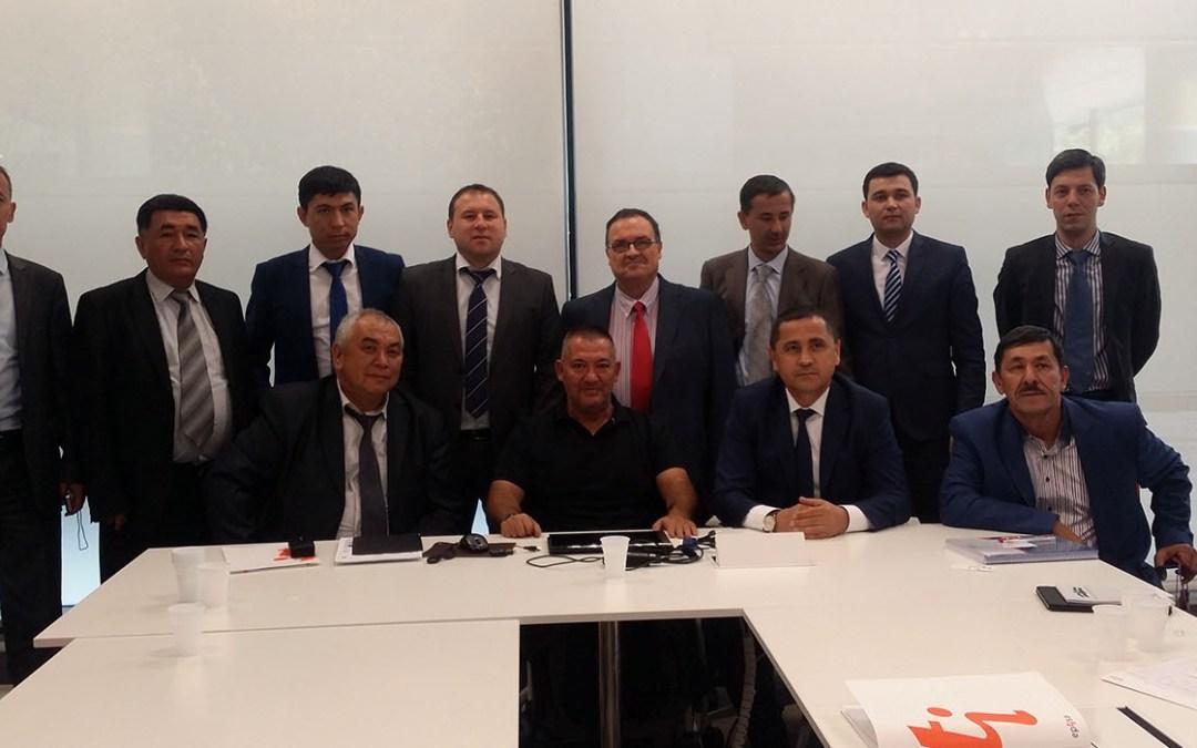 Asociación DIA aborda la importancia de las asociaciones de víctimas de accidentes de tráfico ante una delegación de Uzbekistán