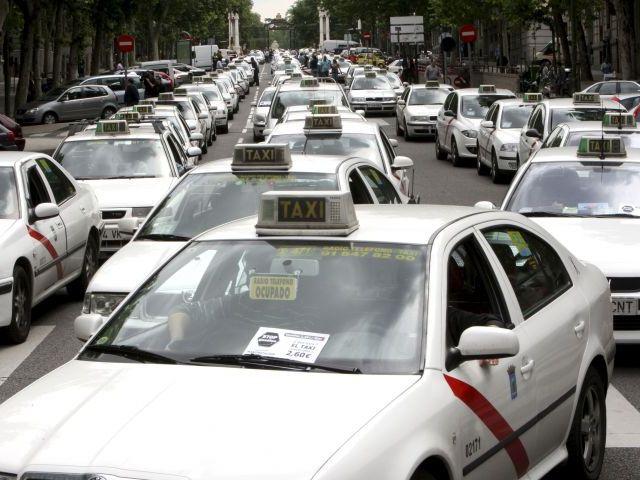 Se suprime el permiso de conducir de la clase BTP, exigido hasta ahora para taxis, ambulancias y otros vehículos de emergencia y escolares