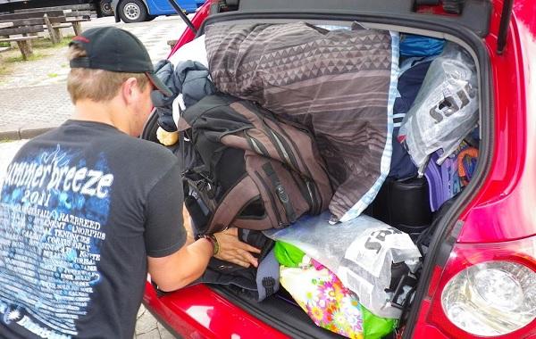 cómo cargar el maletero