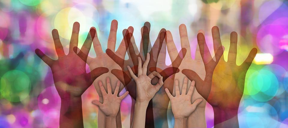 Filantropía empresarial: conoce los 7 beneficios de la RSC