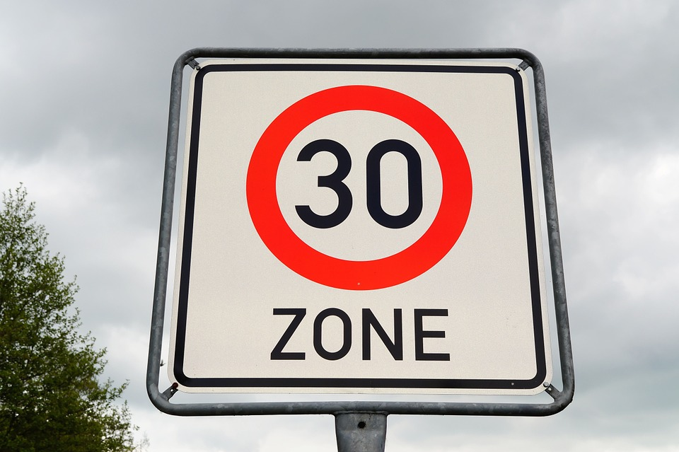 Nueva Ordenanza de Movilidad Sostenible: a 30 km/h por Madrid y cruzando por donde queramos