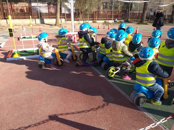 La responsabilidad del peatón: la educación vial infantil promueve usuarios concienciados