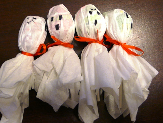 Lollipop Ghost  Fun Family Crafts