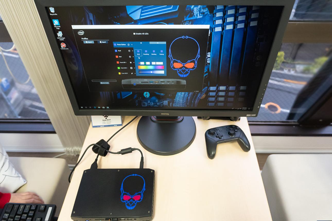 Intel NUC8i7HVKのドクロ操作画面