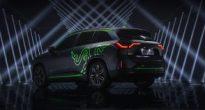令和は車も光る時代!?Razerがイルミネーション機能「Chroma」搭載の自動車を発売